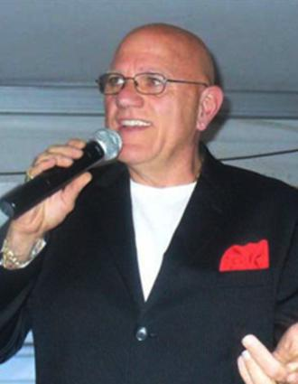 angelo ruggiero of connecticut sings a blend of the great